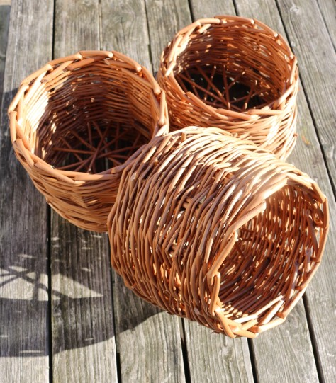 danish bottom basket